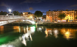 Hapenny-bridge-dublin-private-city-tour